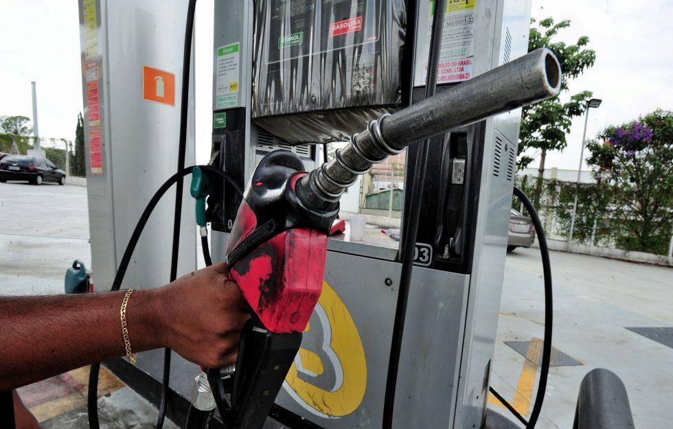 Consumo de combustível diminui 23,8% em maio