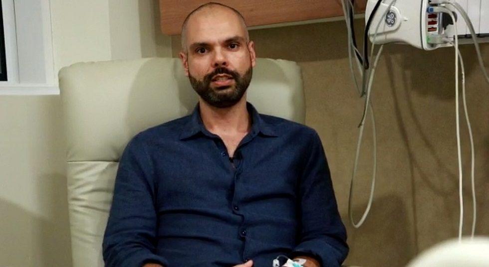 Prefeito de SP, Bruno Covas, deixa hospital após 23 dias internado