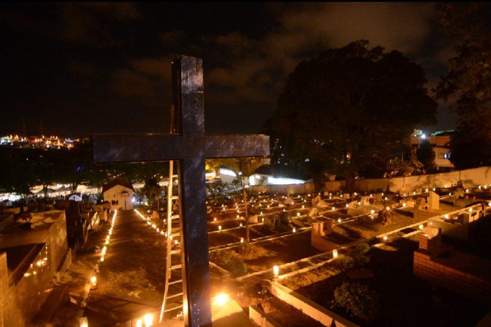 Cerimônia das Velas recebe centenas de fiéis em Mairinque