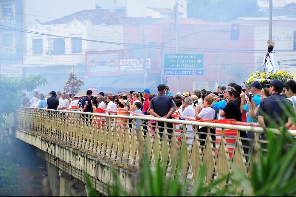 Fiéis são orientados a não soltar fogos de artifício na romaria