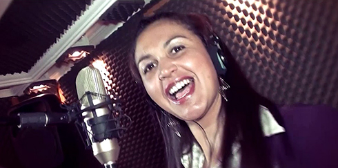 Show da cantora tapiraiense Andréia Barros acontece nesta terça-feira (18)