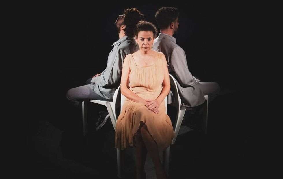 Sesc Sorocaba recebe o espetáculo teatral 'Entre', com a Cia Barracão Cultural