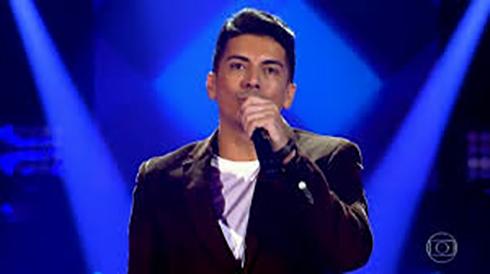 O sorocabano Renan Vallenti, destaque do The Voice Brasil canta na Festa de Tapiraí