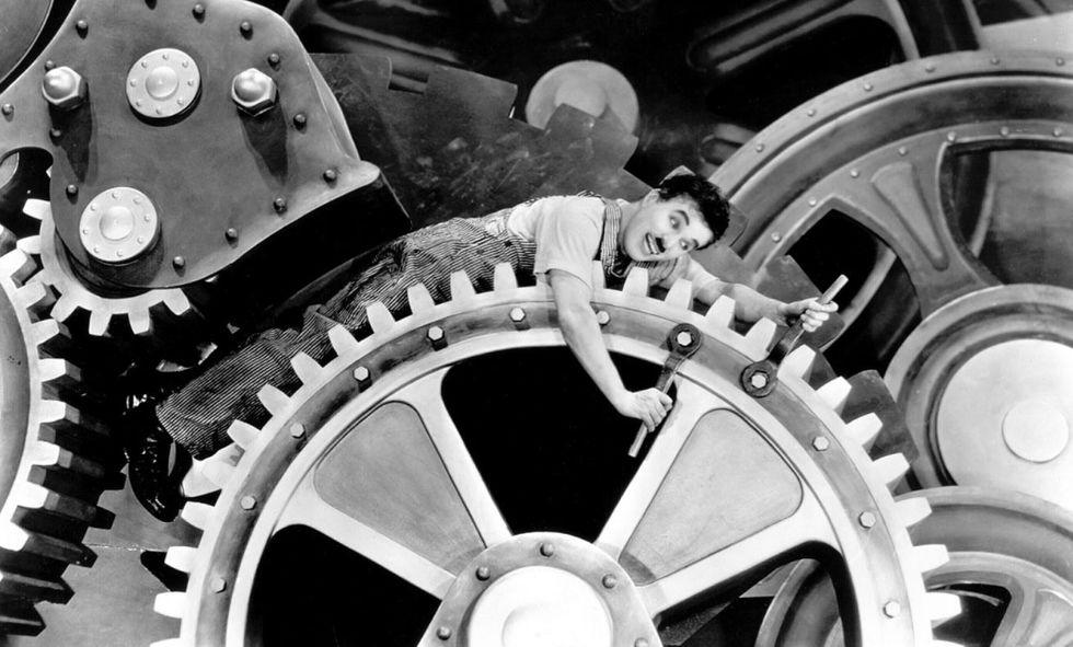 Cine-Vagão exibe o clássico 'Tempos modernos'