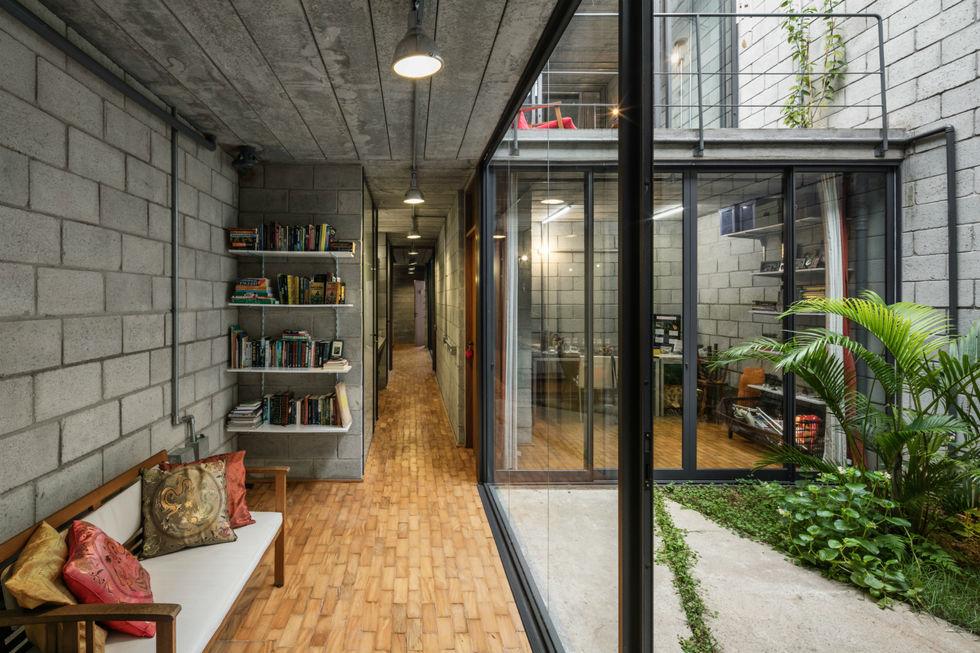 Casa em terreno estreito, mas com espaço