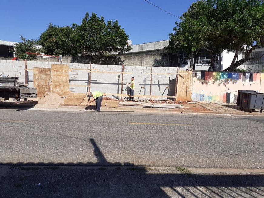 Muro de escola da Nova Sorocaba é reconstruído
