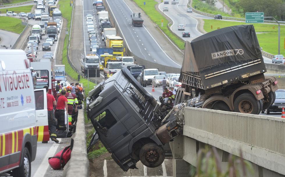 Trecho na Raposo soma 21 acidentes em quatro anos