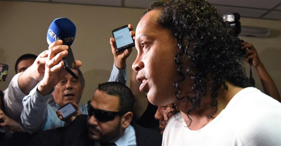 Ronaldinho continuará sendo investigado no Paraguai
