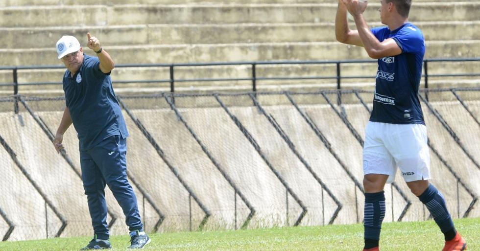 Edson Vieira brilha e pede São Bento 'pé no chão'