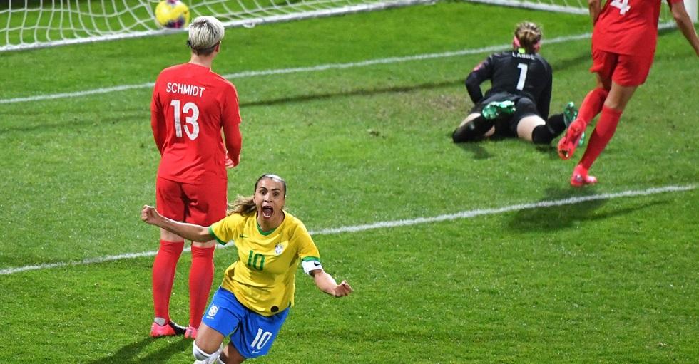 Seleção feminina fecha participação em torneio com empate diante do Canadá