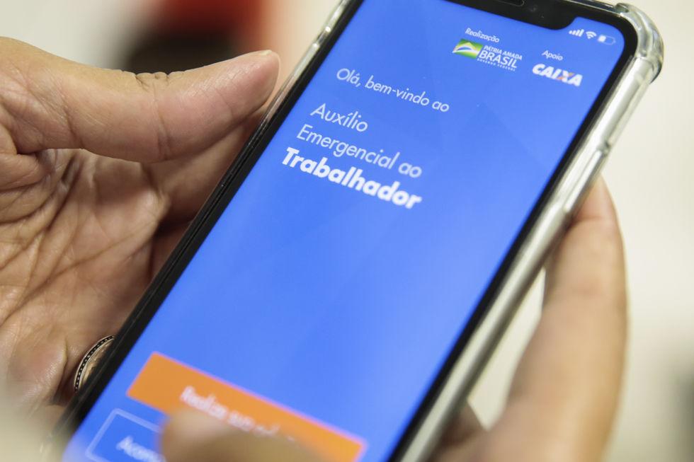 5,5 milhões de informais correm risco de perder ajuda de R$ 600