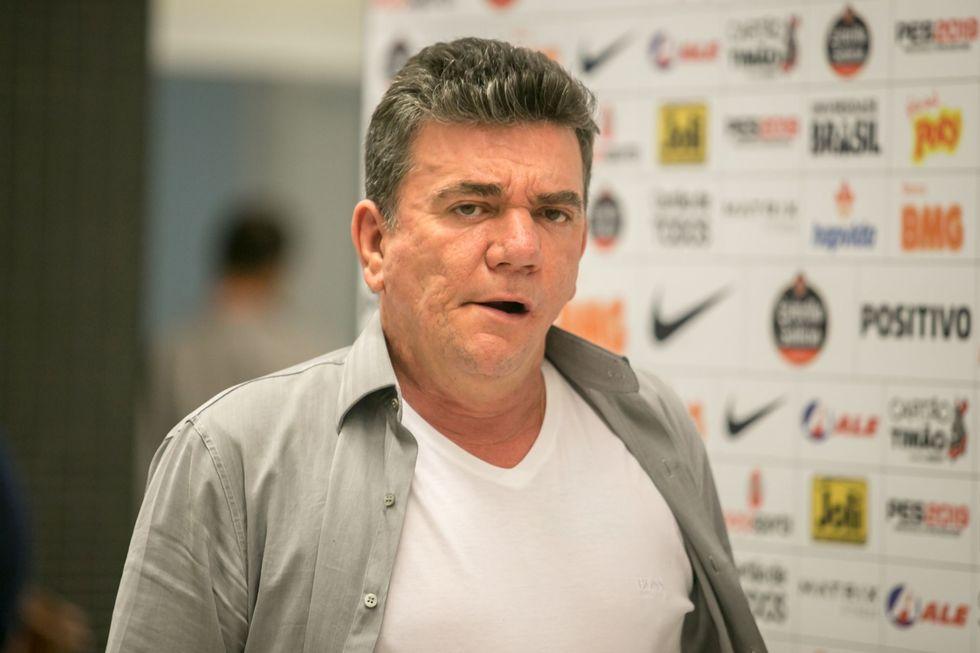 Sanchez promete quitar as dívidas do Corinthians