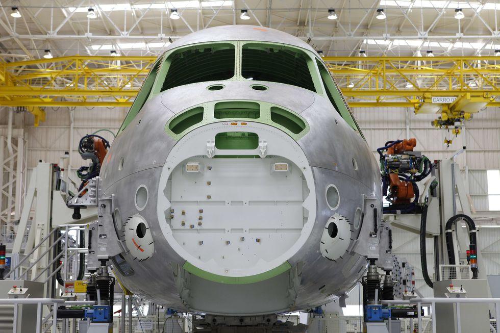 Boeing desiste de parceria com a Embraer