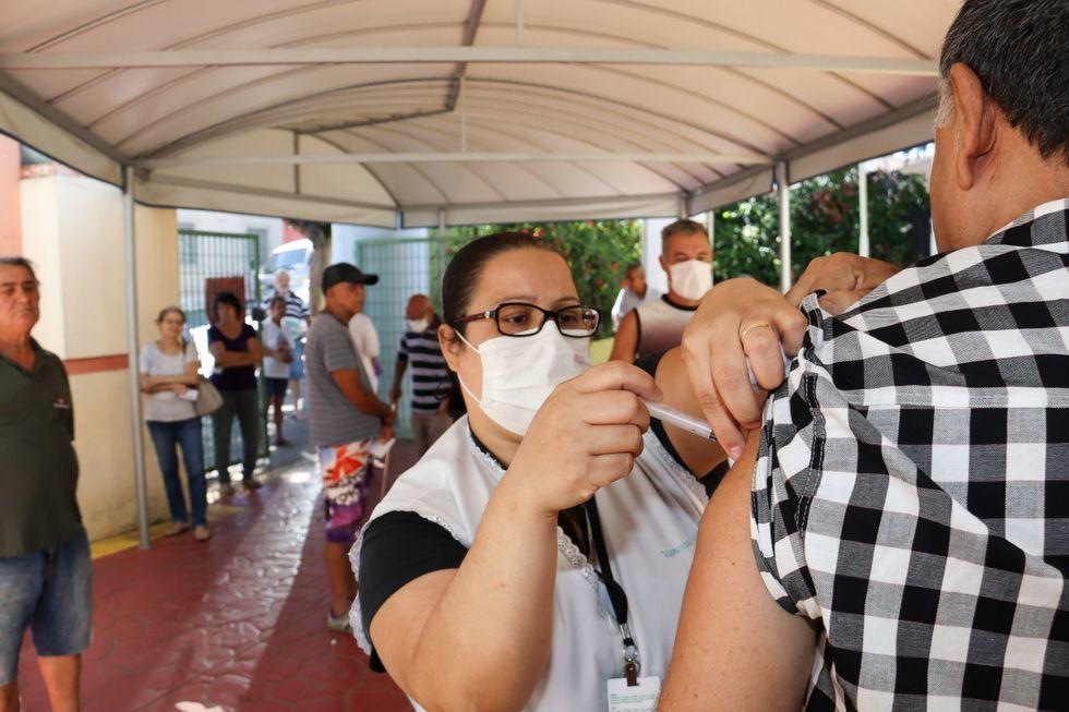 Campanha de vacinação contra a gripe continua