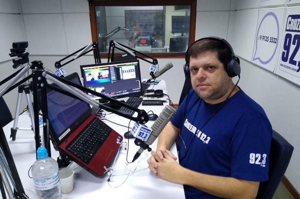 Presença: Cruzeiro FM 92,3