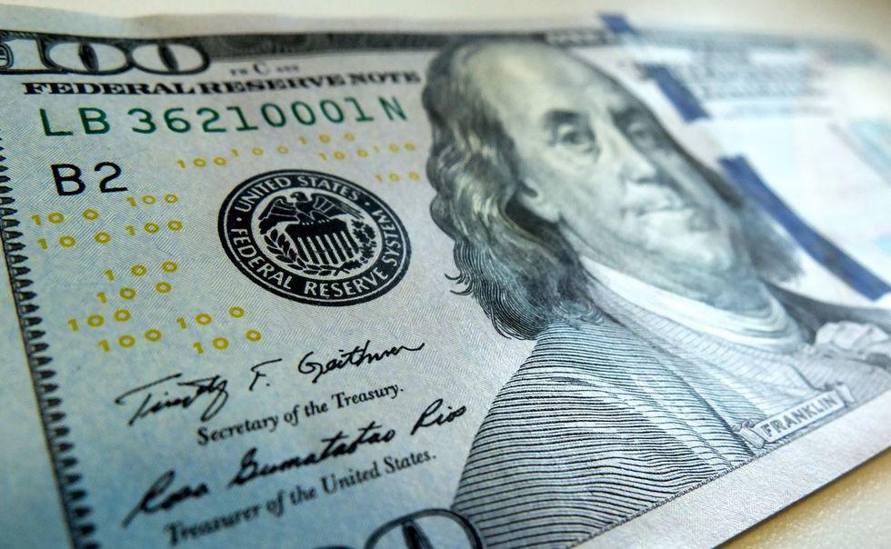 Tensões fazem dólar bater novo recorde, a R$ 5,866