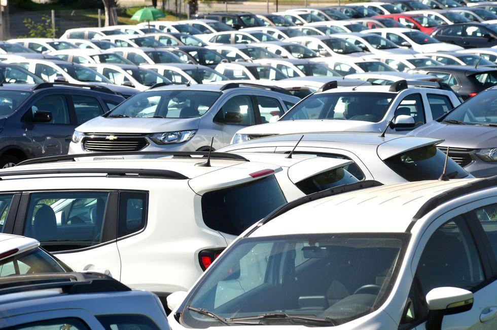 Carros acumulam aumento de 10% no ano e previsão é de novas altas