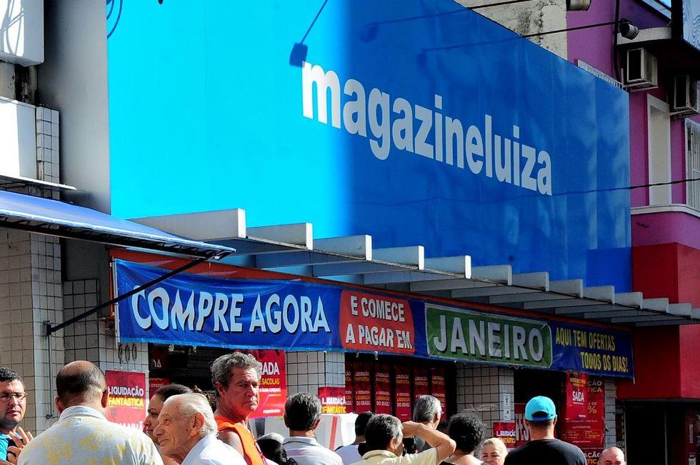 Magazine Luiza reabre lojas físicas