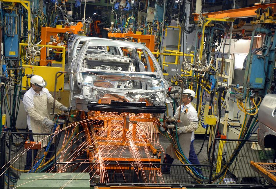 Produção de veículos recua ao nível de 2004