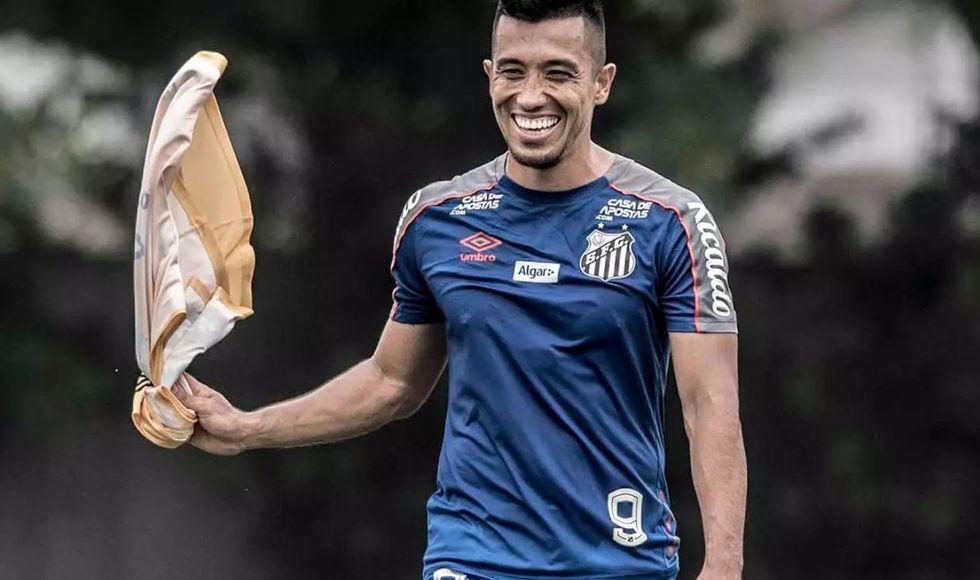 Uribe revela que sonha em trocar Santos pelo México