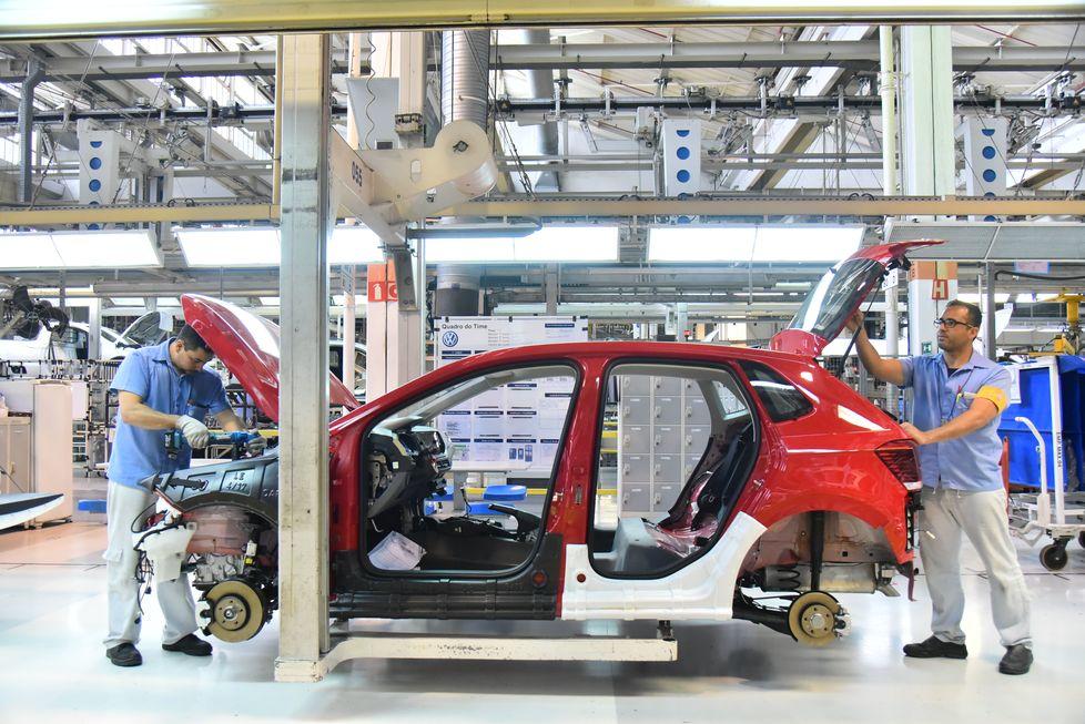 VW quer parceria para nacionalizar peças