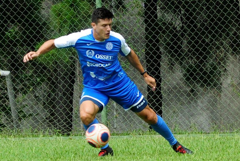 Victor Sallinas é dúvida no São Bento para terminar A2