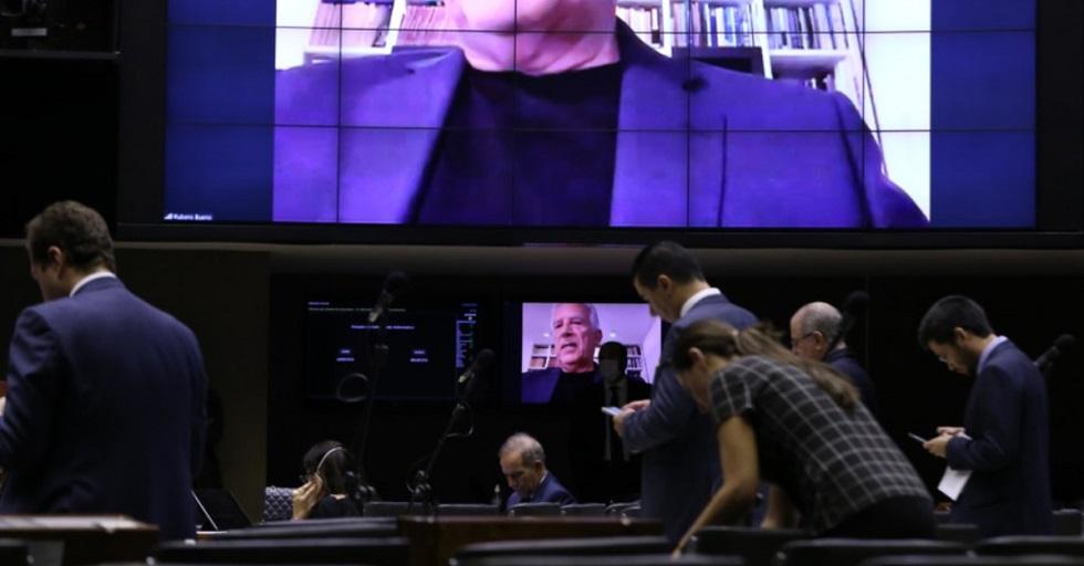 Câmara aprova projeto que permite adiar recolhimento de INSS de funcionários