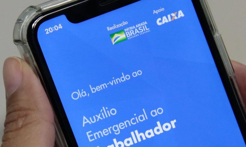 Banco dos Brics aprova R$ 1 bi para ajudar Brasil a pagar auxílio