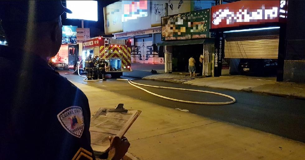 Incêndio em pizzaria é contido pelos bombeiros na zona norte de Sorocaba