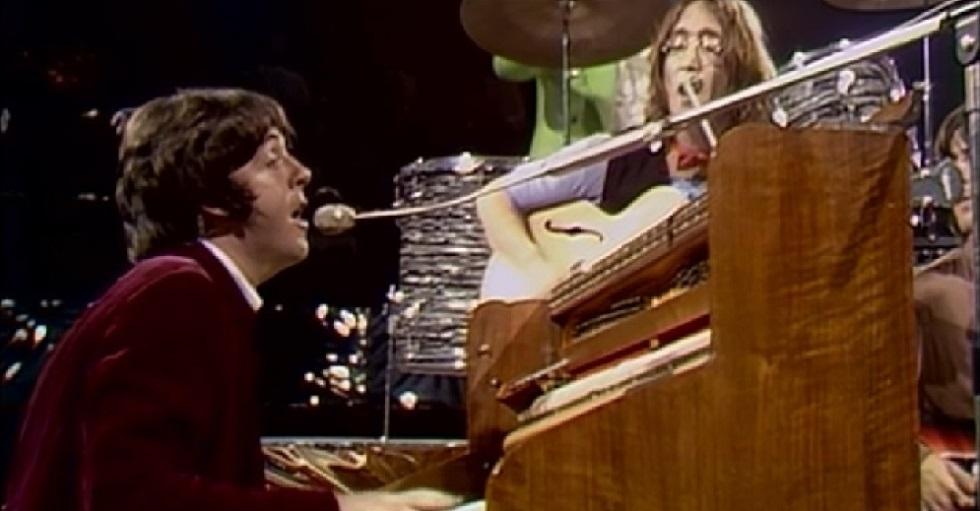 Manuscrito de 'Hey Jude', de Paul McCartney, é leiloado por 910 mil dólares