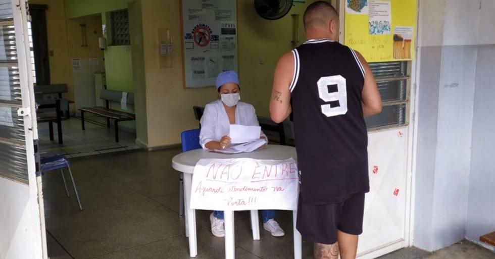 Pacientes passam por triagem nas unidades de saúde em Sorocaba