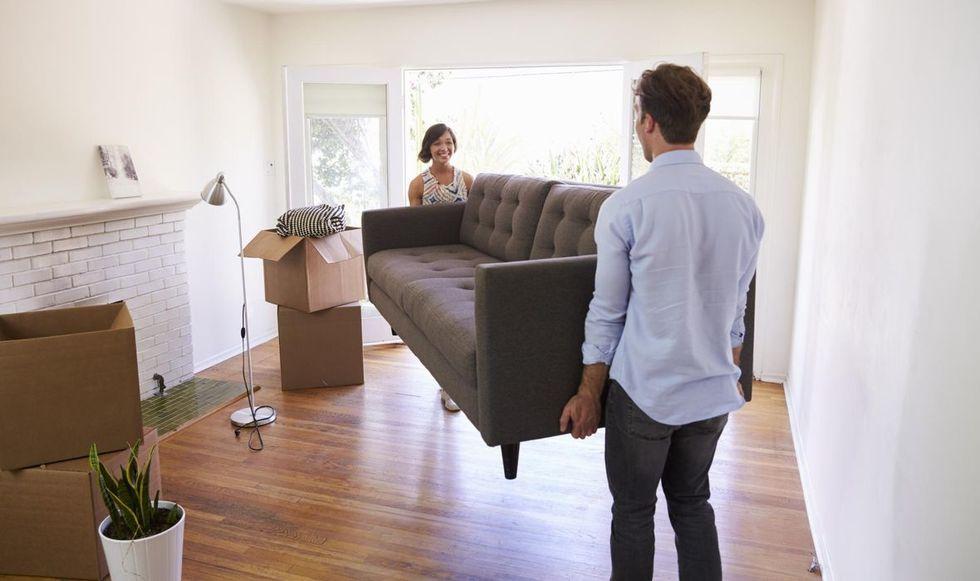Dá para ganhar mais espaço trocando móveis de lugar?