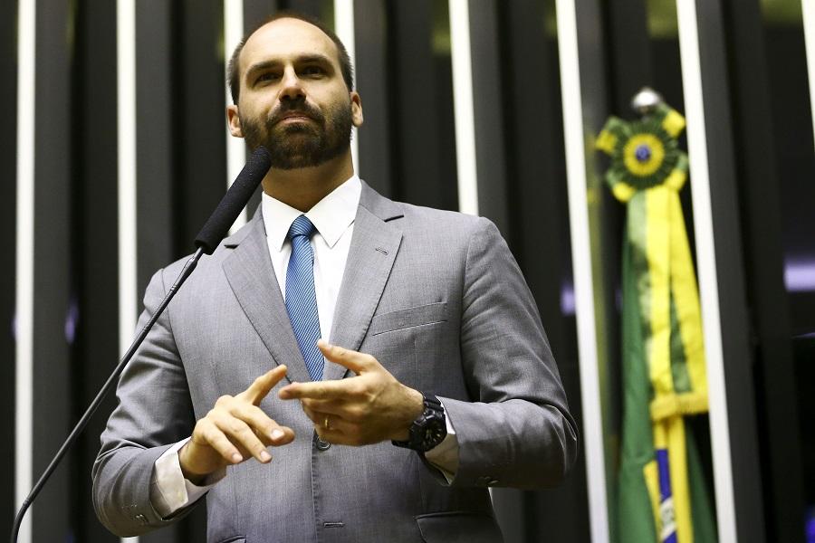 Eduardo Bolsonaro questiona lisura de depoimento de Moro na PF em Curitiba