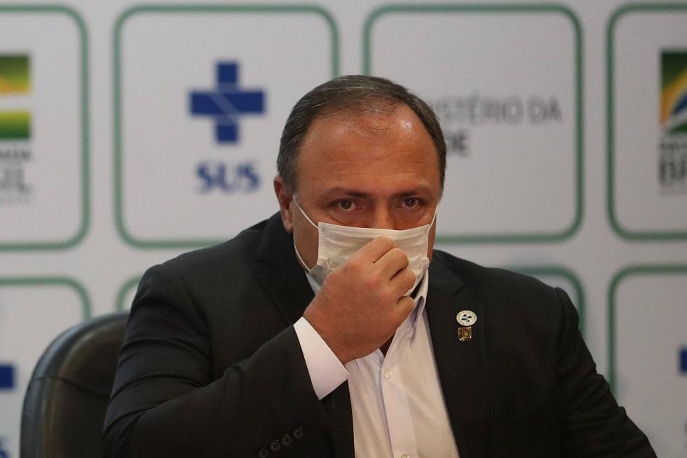 Ministro da Saúde é internado em Brasília