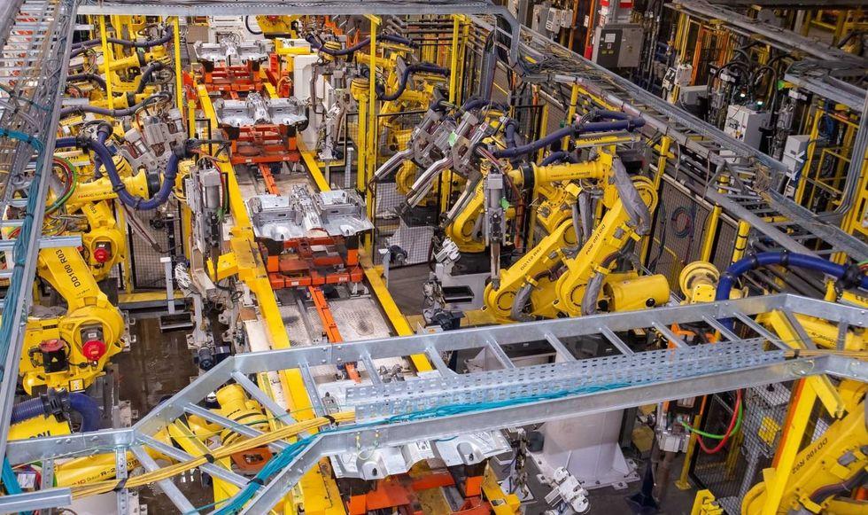 EUA surpreendem com criação de 4,8 milhões de empregos em junho