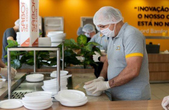 'Marmitas do Bem' doa comida a instituições sociais