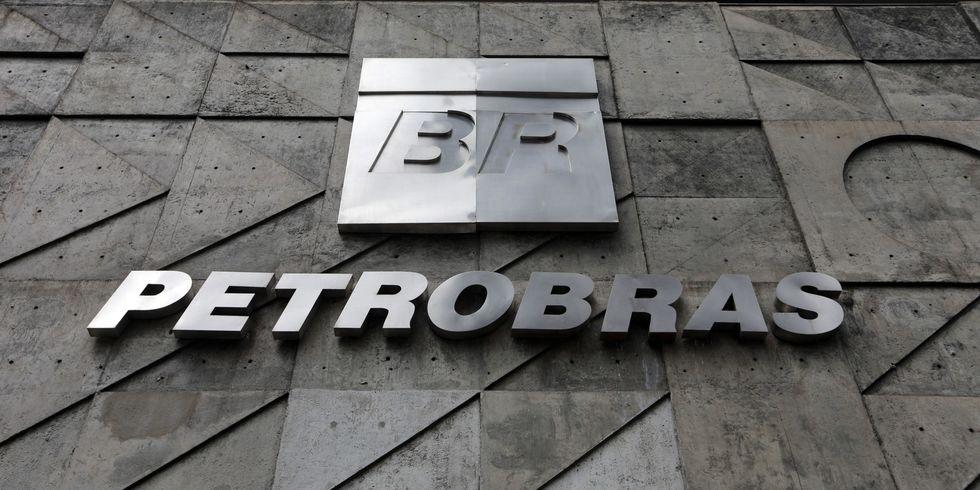 Acordo evita demissões na Petrobras por 2 anos