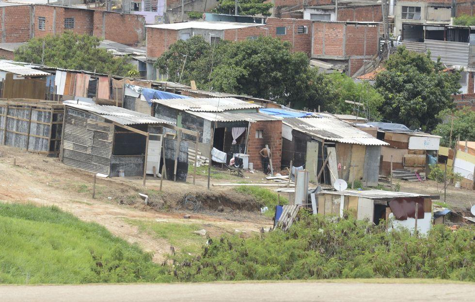 Pobreza extrema no Brasil é maior em janeiro do que no começo da década passada