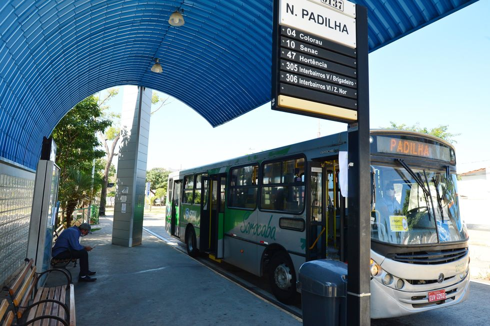 Usuários de ônibus reclamam de alterações nos horários