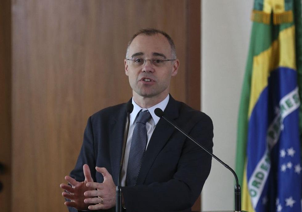 André Mendonça.