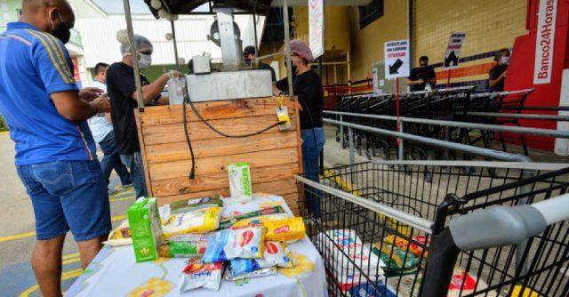 'Churro Solidário' arrecada 2,5 toneladas de alimentos para doação