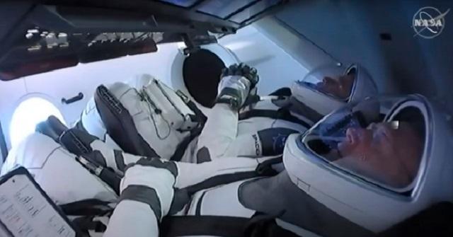 Lançamento de voo tripulado Nasa-SpaceX é adiado devido ao mau tempo