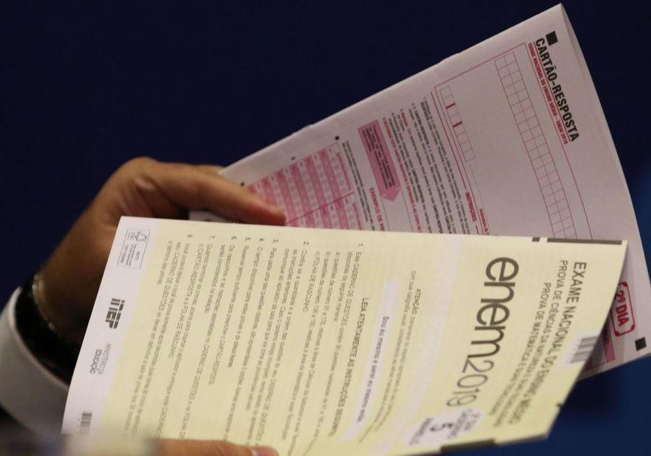Estudantes podem pedir a isenção da taxa de inscrição do Enem até o dia 28 de maio