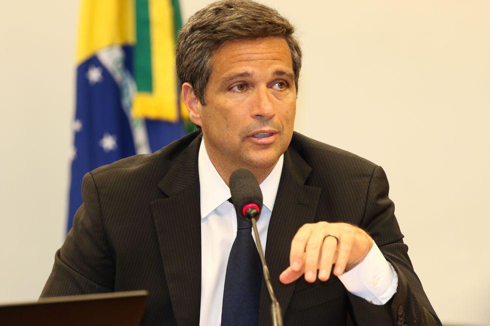 Economia pode contrair com prorrogação de auxílio, diz Campos Neto