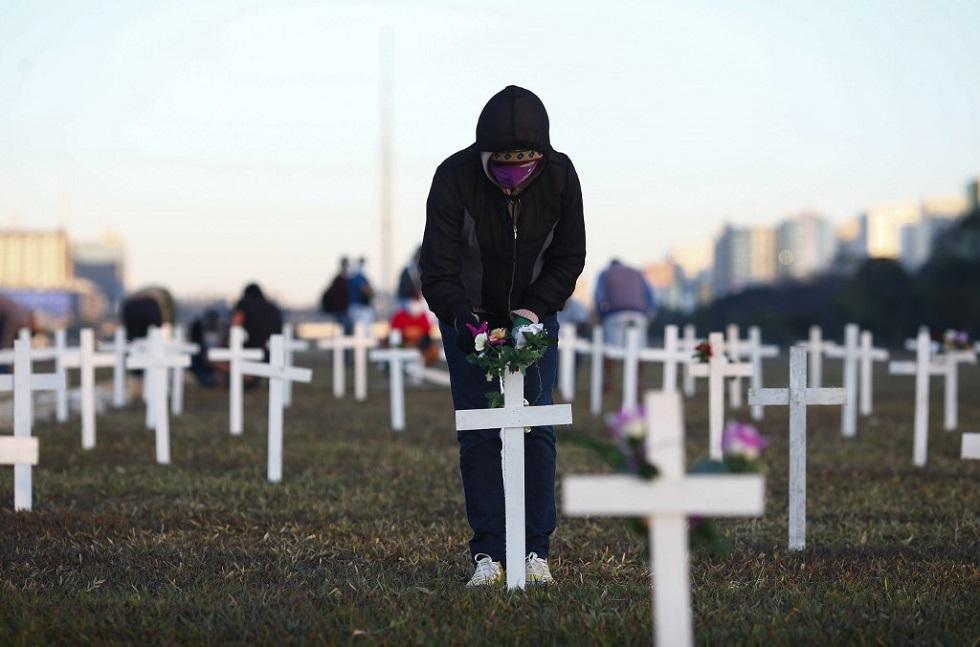 País registra 987 mortes em 24 horas