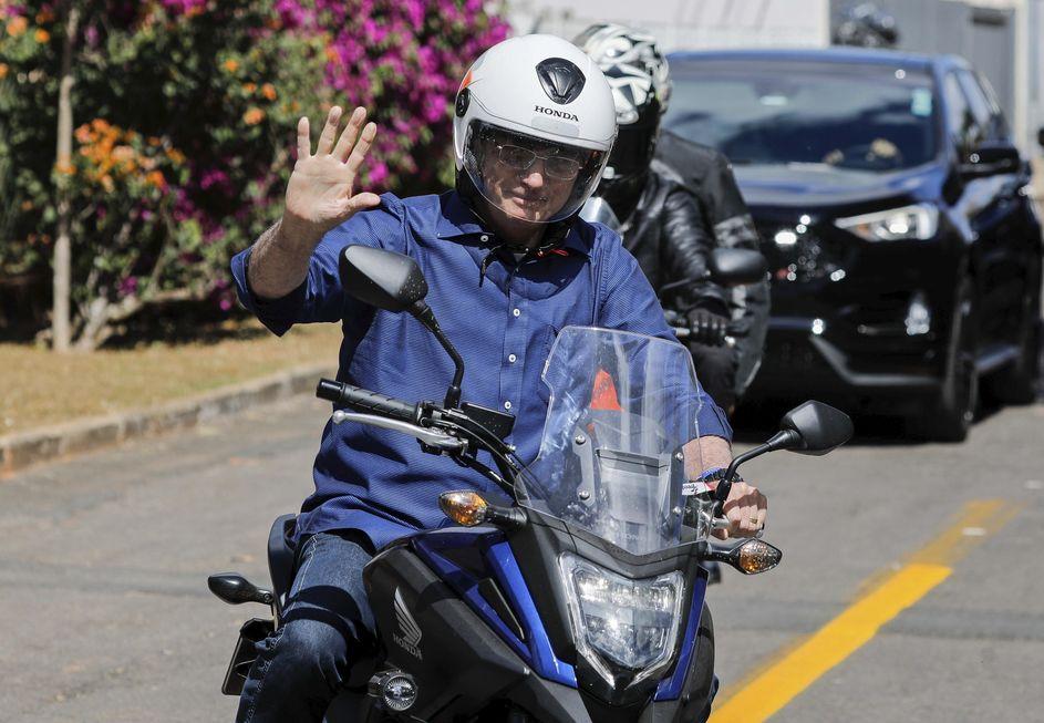 Presidente promete novos passeios de moto a apoiadores, e o próximo pode ser em Santa Catarina