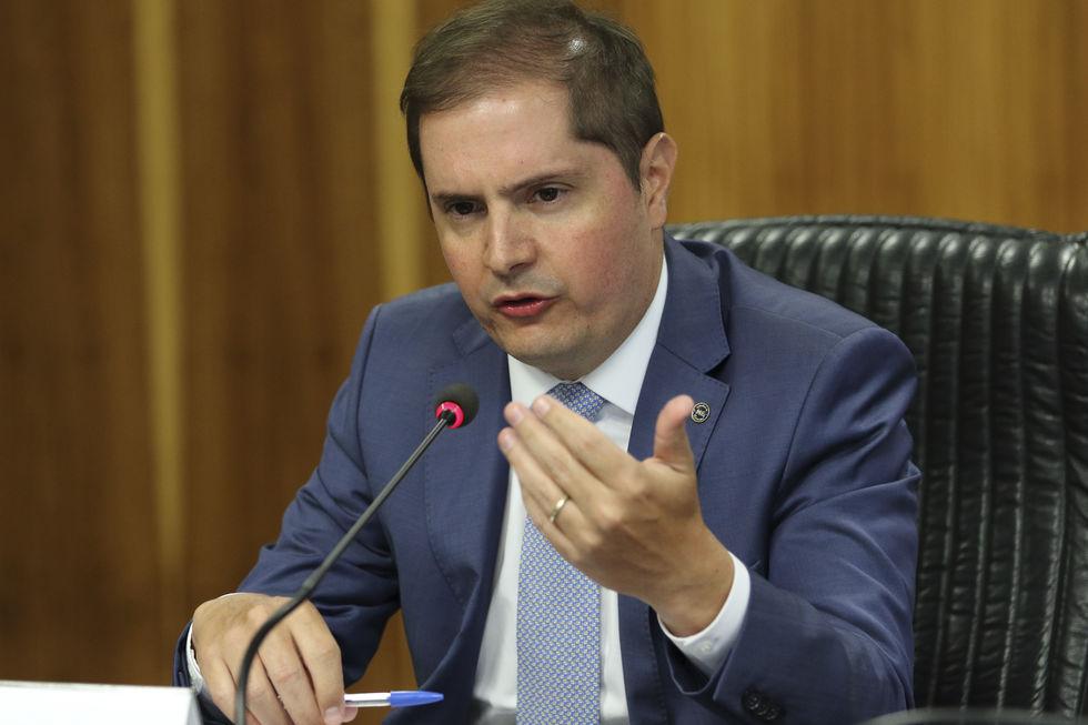 Governo autoriza recontratação de demitidos