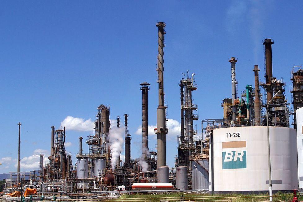 Pandemia baixa produção de petróleo