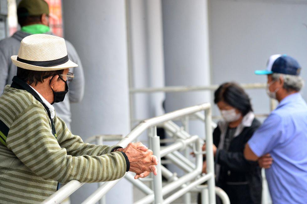 Pessoas sem máscaras podem receber multas