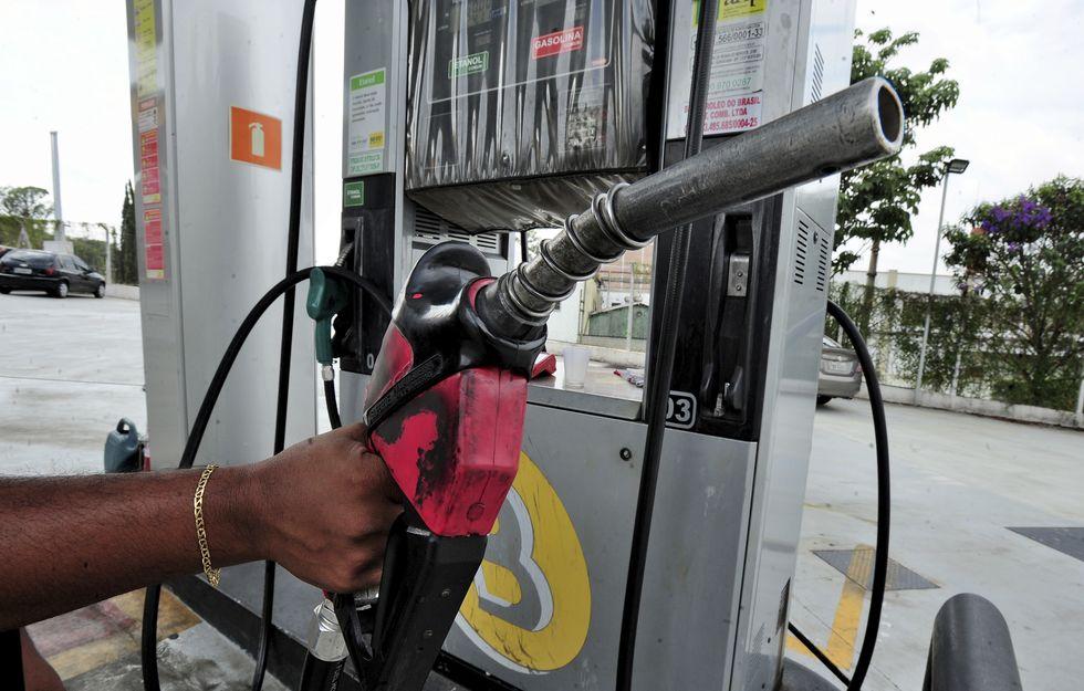 Petrobras reajusta gasolina em 5%